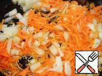 Onions cut into cubes, carrots grate. Fry with oil. Add to soup. Cook for 10 minutes.