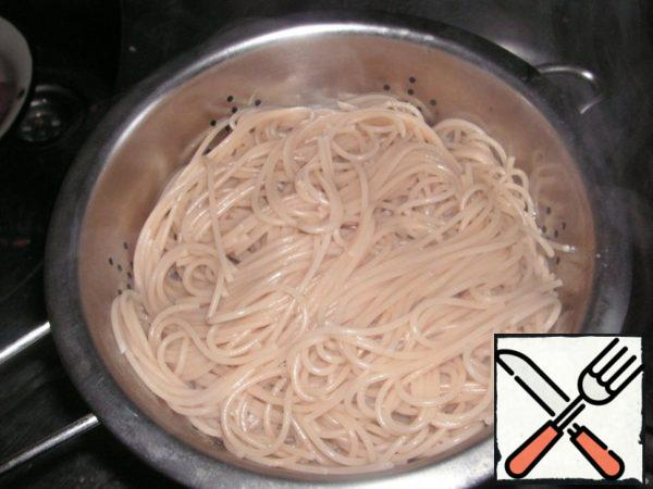 Noodles are boiled.