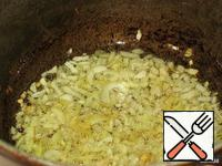 Onion and garlic finely chop and fry in vegetable oil.