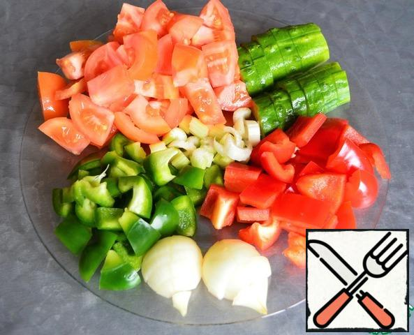 All vegetables washed and arbitrarily sliced.