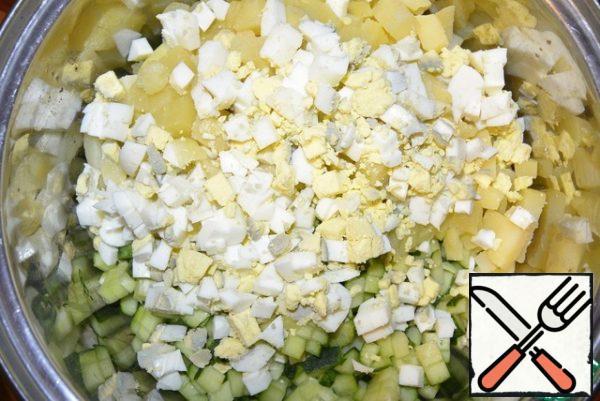 boiled eggs (1 yolk to postpone).