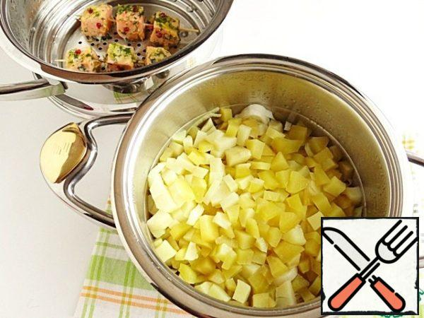 Vegetables that were in the pot, too, have time to prepare.