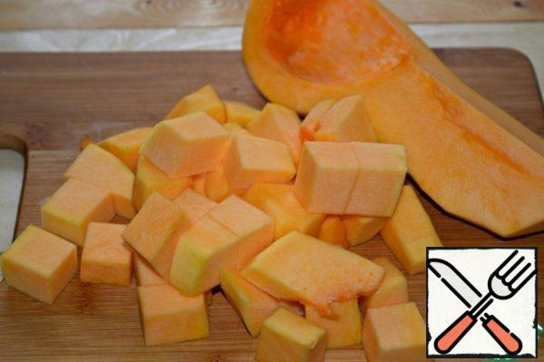 Pumpkin to clear, cut into big cubes.