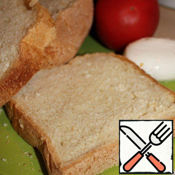 Prepare bruschetta: ready bread cut into slices and sent on a dry frying pan or in the oven.