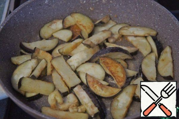 And lightly fry in vegetable oil.