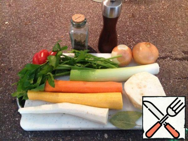 Prepare the vegetables.