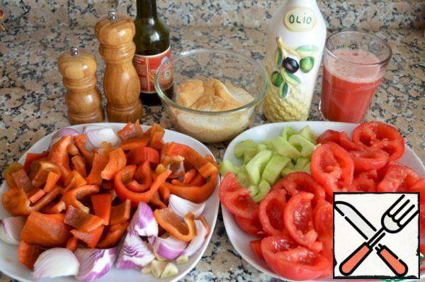 Cut all vegetables into medium pieces.