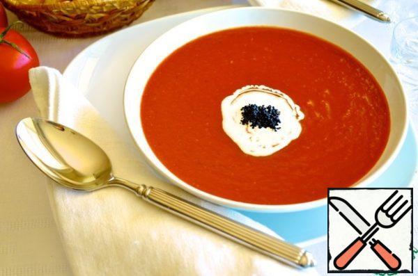 Pour the strained soup into a pot, add broth, vinegar, tomato paste and warm. Add vodka.