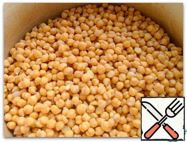 "We're gonna need some boiled chickpeas. Soak it in advance, it is better to leave for the night in a large amount of cold water - it ""drinks"" everything. Rinse it in several waters before use."