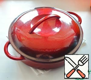 Cover the saucepan with a lid and place in the oven heated to 180 degrees. Cook for about 1-1.5 hours.