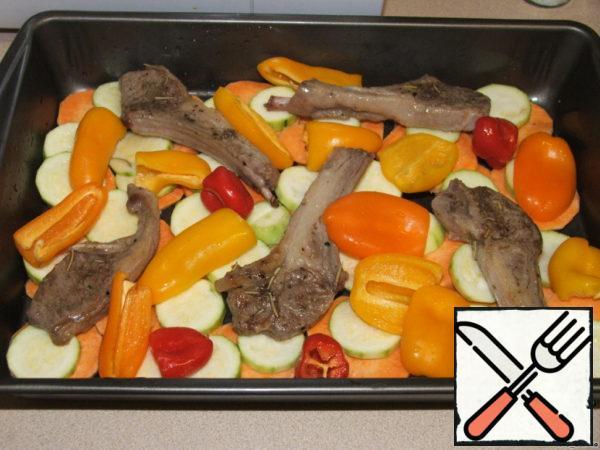 Add sweet pepper, fine you can cut.