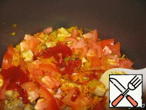 Also add the tomatoes and tomato paste (simmer for 10 minutes)