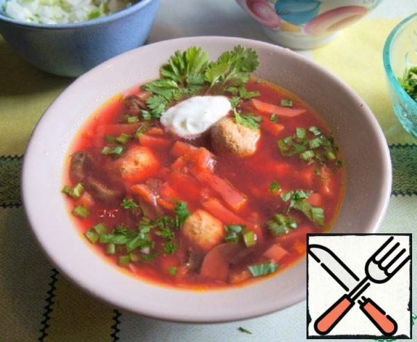 Borscht with Mushrooms and Zucchini Recipe