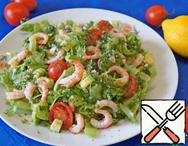Salad with Shrimp, Avocado and Cherry Recipe