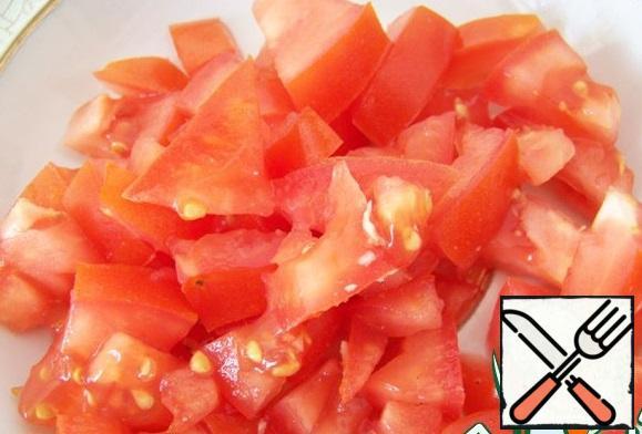 Salt, pepper, season with oil and vinegar.