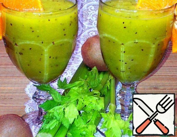 Kiwi, Celery and Mandarin Smoothie Recipe
