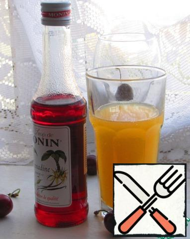 """For this cocktail is best suited freshly squeezed orange juice, but in extreme cases, you can replace the usual packaged. I propose to use the syrup """"grenadine"""", because it is one of the main components of"""" Tequila sunrise """"and gives"""" the same taste"""", for lack of can be replaced by raspberry."""