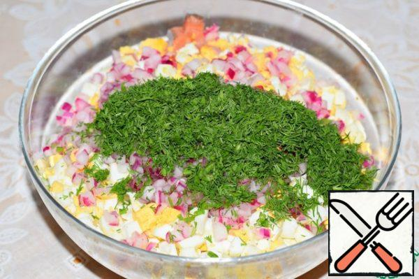 Put all the ingredients in a large bowl, (with a bow to drain the liquid), add the chopped dill, season the salad sauce, mix well. You're done!