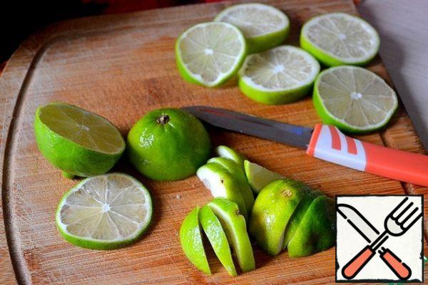 Cut into slices of lime, put aside 5 slices for decoration.
