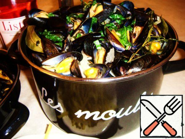 Mussels in Wine-Cream Sauce Recipe