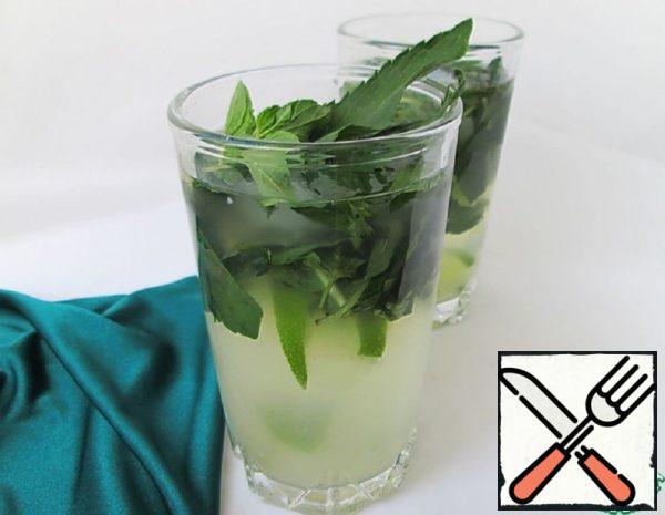 Non-Alcoholic Mojito with Apple Juice Recipe