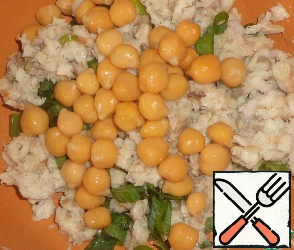 Add boiled chickpeas.