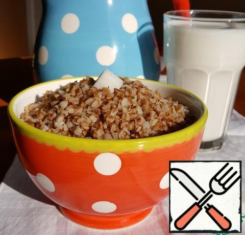 All the buckwheat is ready! Put buckwheat on deep plates or favorite bowls, pour milk and add sugar to taste. Bon appetit and have a nice day!