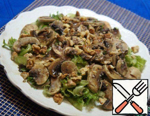 Salad with Mushrooms, Nuts and Tarragon Recipe