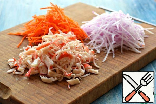 Peel radish and carrots and grate for Korean salads. Crab sticks (or crab meat) to cut arbitrarily.