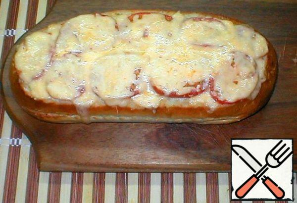 Then remove from the oven, sprinkle with cheese and put in the oven again for 3-5 minutes. Our pie is ready!