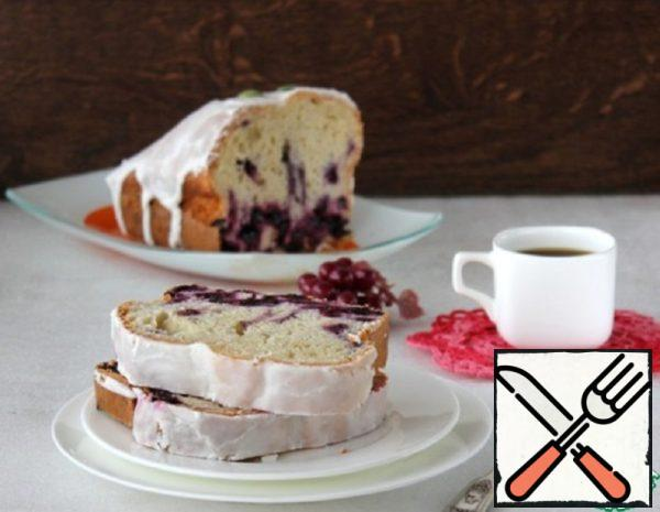 Cake on Sour Cream with Black Currant Recipe