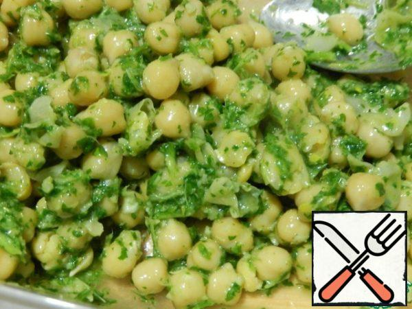 To fill the chickpeas with seasoning mix well, let stand for 10-15 minutes.