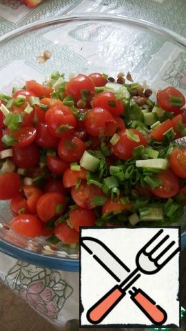When lentils are cool, add tomatoes, cucumber and herbs. Stir and salad is ready!