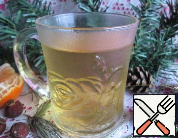 Tea made from Pine Needles and Rose Hips Recipe