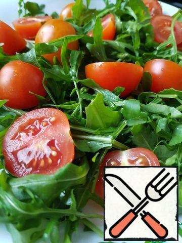Cut tomatoes.