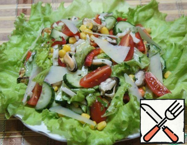 """Salad with Seafood """"Voice of the Sea"""" Recipe"""
