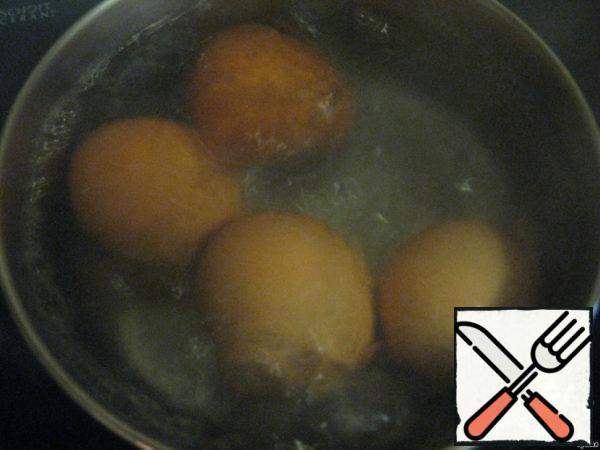 Eggs boil until tender, cool, peel.