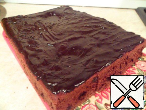 Top fluff brownies with chocolate icing, cut into 9 equal parts and put the cooled brownie to Mature for 8 hours in the refrigerator.