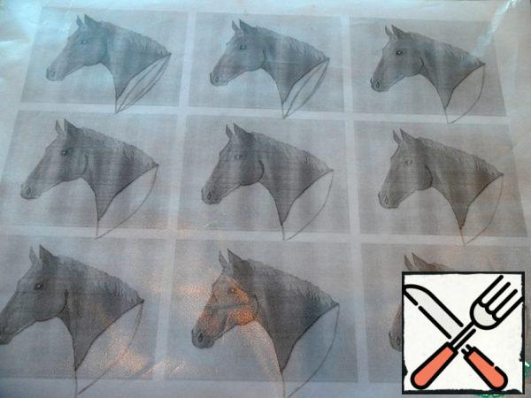Find the image of a horse's head on the Internet and printed on printer 9 figures on the sheet. Attach the picture to a file for paper. Melted chocolate is drawn by drawing the outlines of our horses.