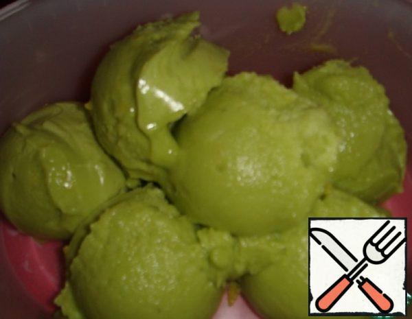 Sugar-free Lemon Avocado Ice Cream Recipe