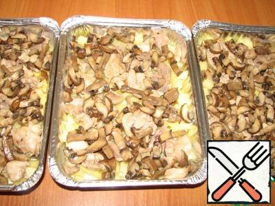 Put the chicken on top and then mushrooms.
