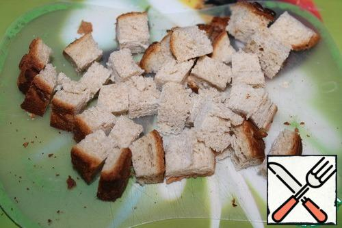 Bread cut into cubes (can be take crackers).