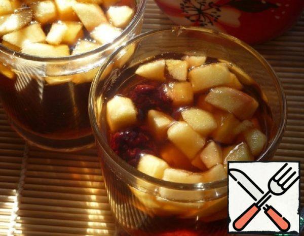 Apple and BlackBerry Tea Recipe