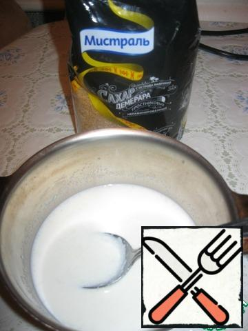 """The chocolate layer is prepared similarly. 10 gr. gelatin is soluble in 100 ml. milk. Separately, 50 ml milk and 150 ml cream, put on the fire. Add cane sugar Mistral and chocolate pieces.Cane sugar is perfectly combined with coffee flavors, so I used chocolate """"Coffee with milk"""", but you can other chocolate.It is necessary to wait for the complete dissolution of chocolate."""