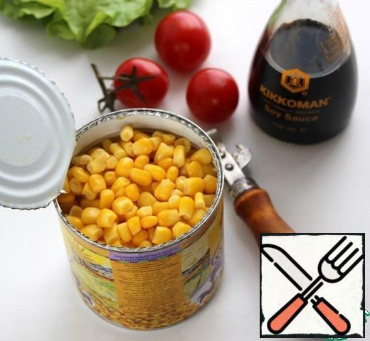 Prepare the corn.