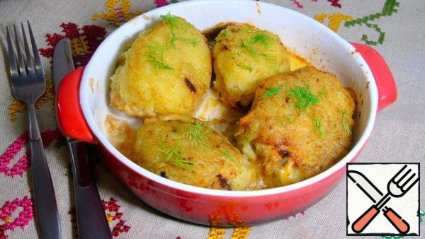 Spread in a baking dish and send in a preheated 200C oven for 10-15 minutes, until ready. Sprinkle with herbs and serve.