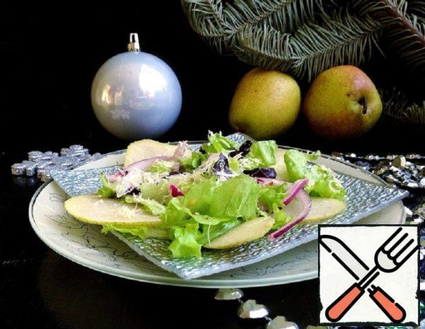 Light Salad with Pear and Cheese Recipe