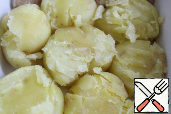 Potatoes to flatten slightly.