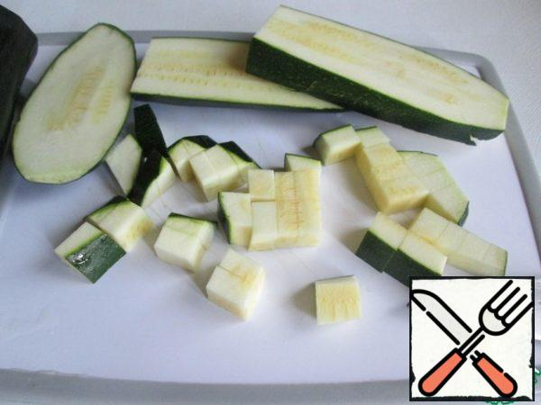 Zucchini well wash and cut into small pieces. I didn't clean it, but it's optional.