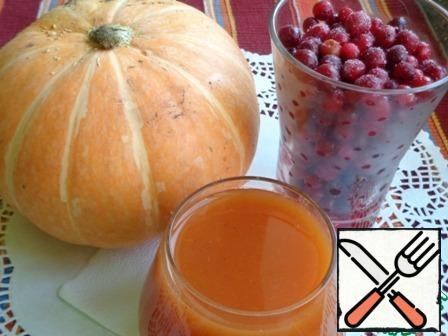 Connect cranberry infusion with crushed pumpkin, bring to a boil. Cool a little and add honey. Stir until honey dissolves. The drink is ready, the output of 4.2 liters. Quench your thirst with pleasure!